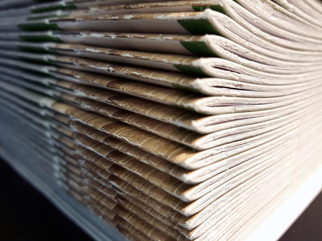 book 2572110 1280