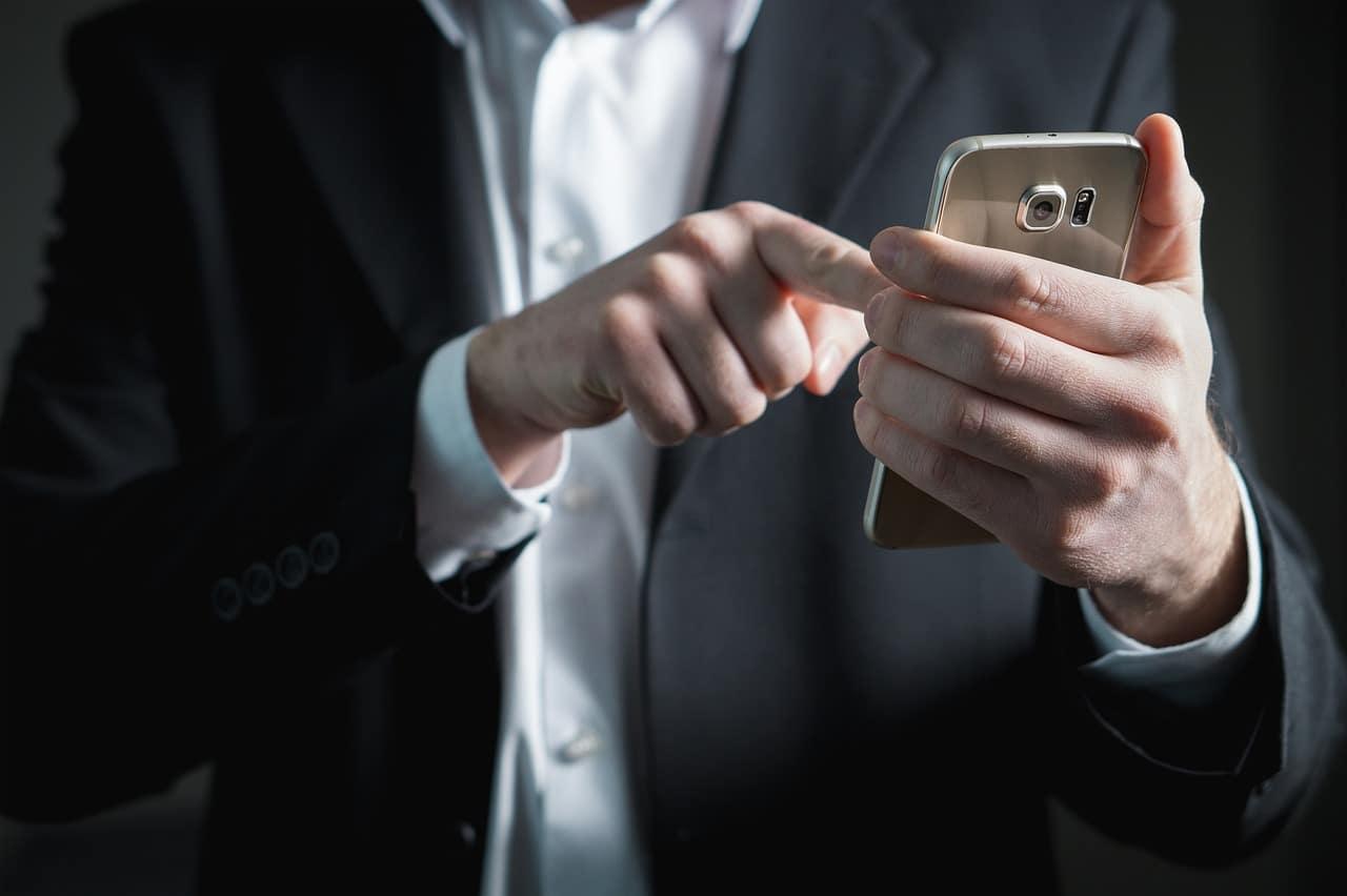 finger 2056030 1280