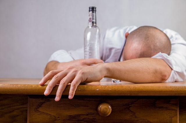 prevenzione ictus cerebrale - abuso di alcol