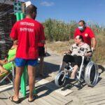 Il mare di tutti: quando la fisioterapia conquista le spiagge